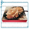 سنگ نورانی با تصویری از تابلوی گل